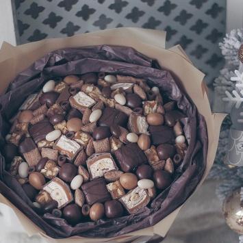 """Букет """"Мика"""" с шоколадными конфетами фото 4"""