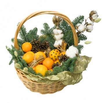 "Подарочная корзина ""Легкий вечер"" с новогодним декором"