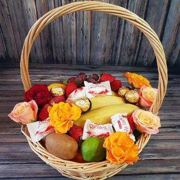 """Корзина """"Для любимой"""" с фруктами"""