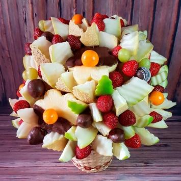 Фруктовый букет c дыней и ягодами