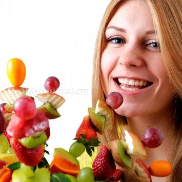 Букет из фруктов веером