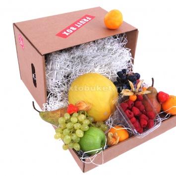 Фруктовая коробка с ягодами