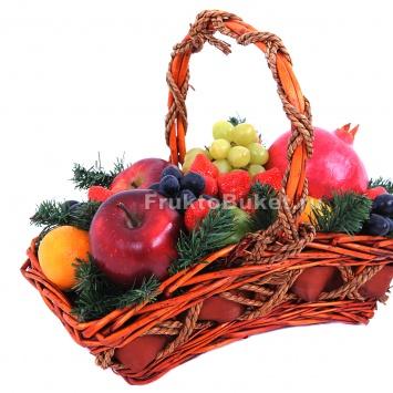 """Корзина с фруктами """"Лесная посылка"""""""