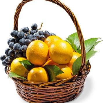 Фруктовая корзина с апельсинами