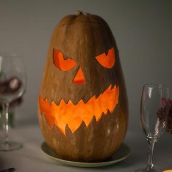 Страшная тыква на Хэллоуин