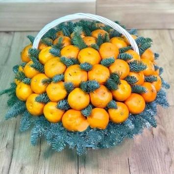 "Подарочная корзина ""Новогодний мандарин"" с сочными мандаринами"