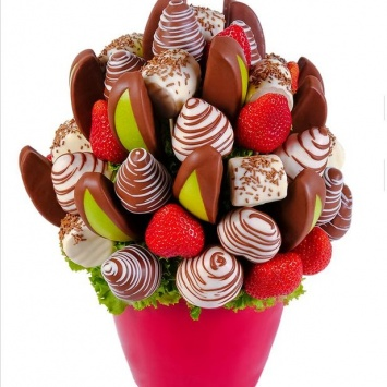 фруктовый букет с клубникой в шоколаде