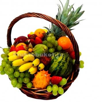 фруктовая корзина из экзотических фруктов