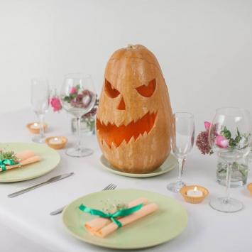 Страшило тыква на Хэллоуин