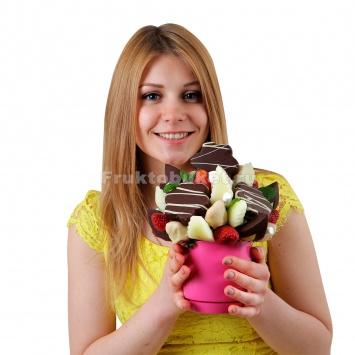 Фруктовый букет с ананасом в шоколаде