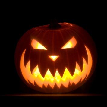 Злобная тыква на Хэллоуин