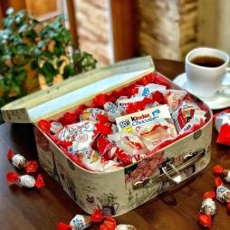 Сладкий сундучок с конфетами
