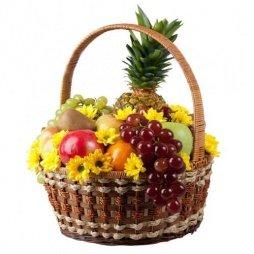 Корзина с фруктами и цветами Солнечная встреча