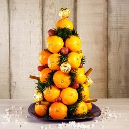 Ёлка из фруктов из мандаринов