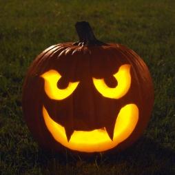 Тыква на Хэллоуин Вампир