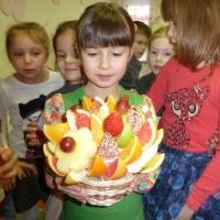 фруктовая корзина ромашки и дыня
